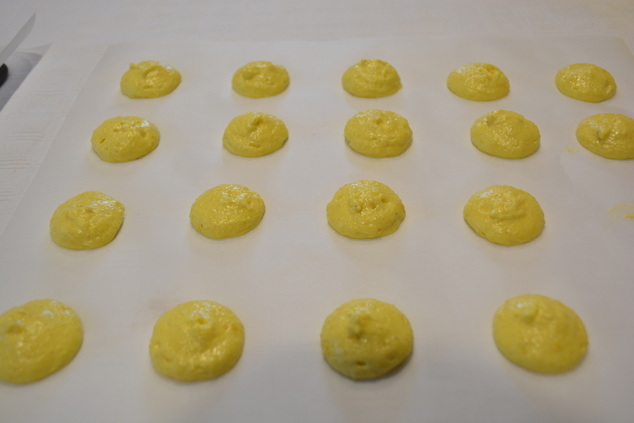 macaroons to spread slightly i do this 2 3 times dust macaroons with ...